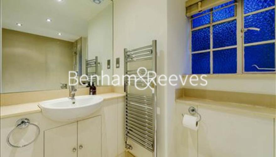 2 bedroom(s) flat to rent in Pelham Court, Fulham Road, SW3-image 4