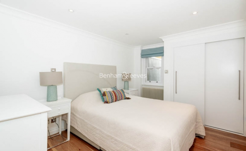 2 bedroom(s) flat to rent in Beauchamp Place, Knightsbridge, SW3-image 9
