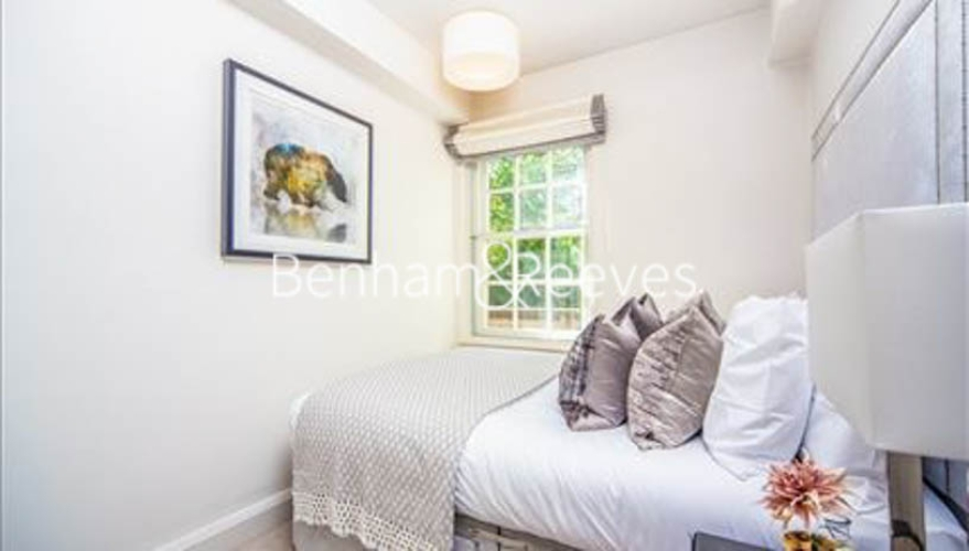 2 bedroom(s) flat to rent in Pelham Court, Fulham Road, Chelsea, SW3-image 7