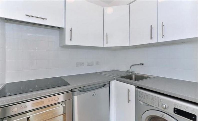 1 bedroom(s) flat to rent in Chelsea Cloisters, Sloane Avenue, SW3-image 3