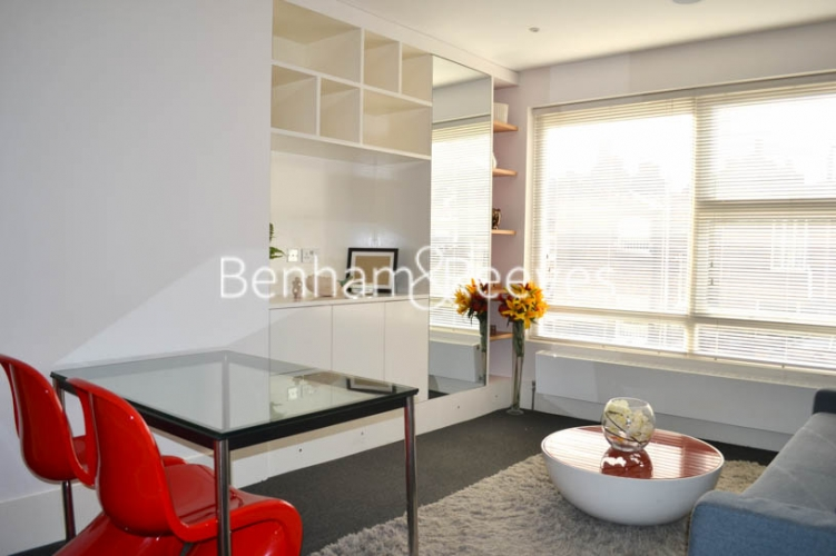 1 bedroom(s) flat to rent in Beaufort Gardens, Knightsbridge, SW3-image 1