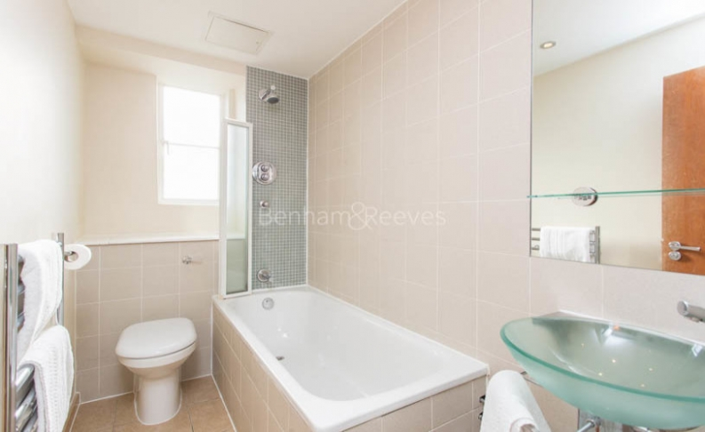 Studio flat to rent in Roland House, Old Brompton Road, SW7-image 4