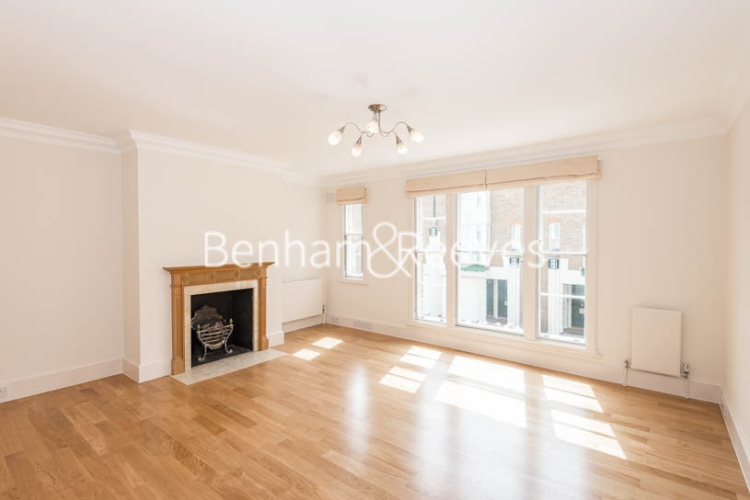 4 bedroom(s) house to rent in Charles II Place, King's Road, Chelsea, SW3-image 1