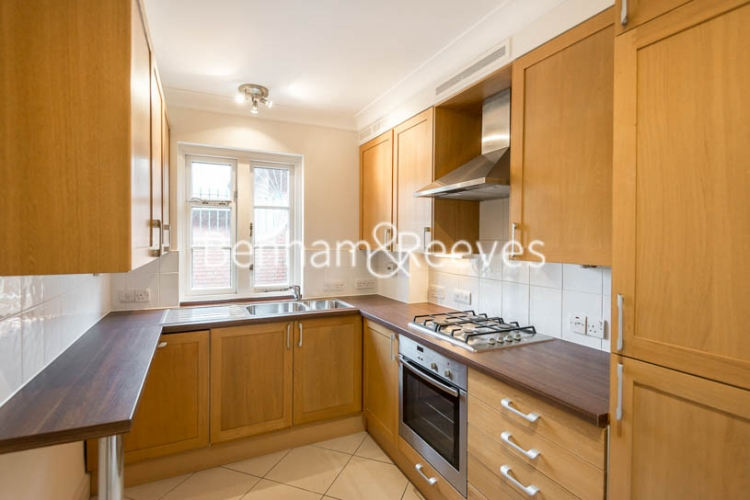 4 bedroom(s) house to rent in Charles II Place, King's Road, Chelsea, SW3-image 2