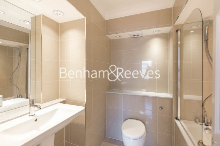 4 bedroom(s) house to rent in Charles II Place, King's Road, Chelsea, SW3-image 4