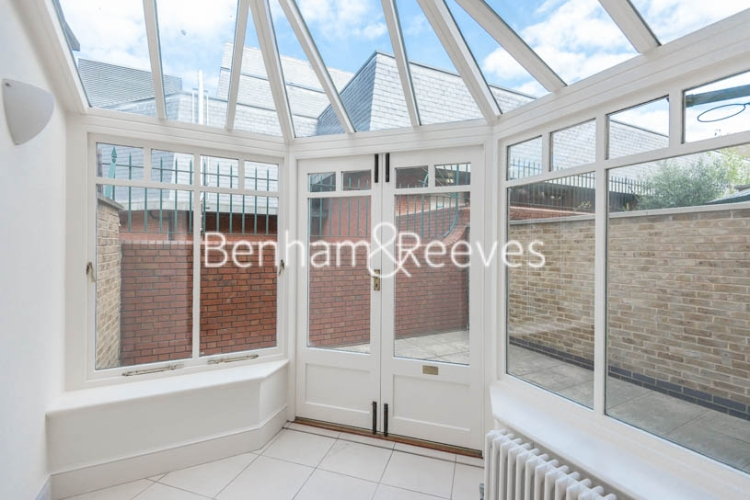 4 bedroom(s) house to rent in Charles II Place, King's Road, Chelsea, SW3-image 5