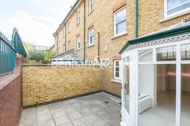 4 bedroom(s) house to rent in Charles II Place, King's Road, Chelsea, SW3-image 12