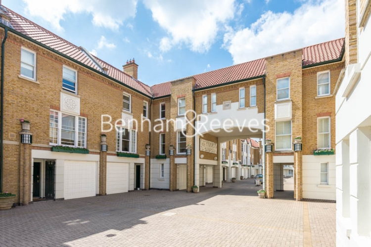 4 bedroom(s) house to rent in Charles II Place, King's Road, Chelsea, SW3-image 13