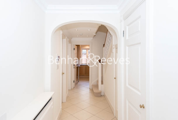 4 bedroom(s) house to rent in Charles II Place, King's Road, Chelsea, SW3-image 14