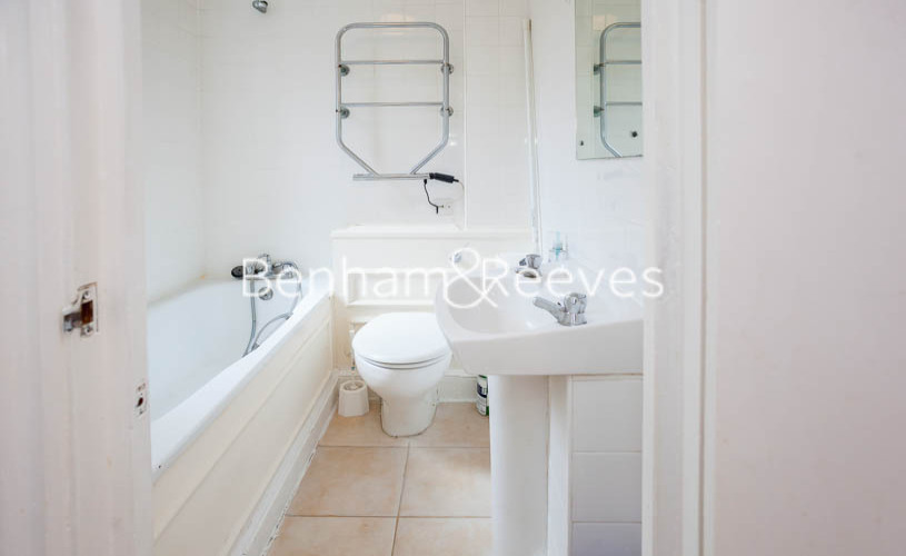Studio flat to rent in Chelsea Cloisters, Sloane Avenue, SW3-image 4