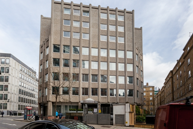 Studio flat to rent in Luke House, Abbey Orchard Street SW1P-image 4
