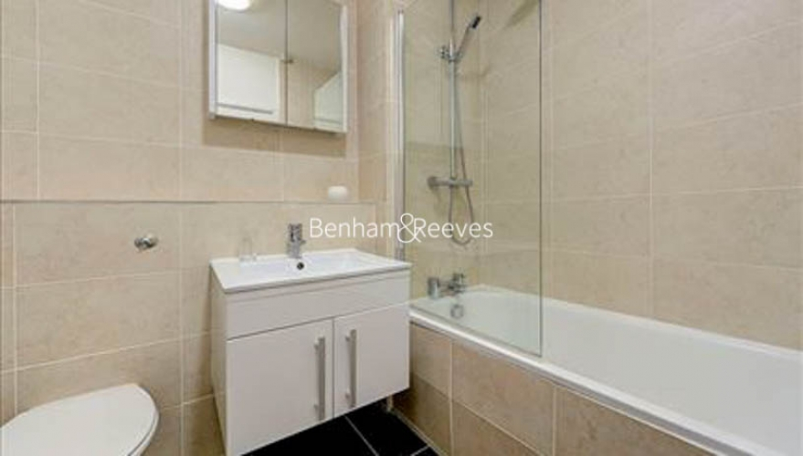 Studio flat to rent in Luke House, Abbey Orchard Street, Victoria, SW1P-image 4