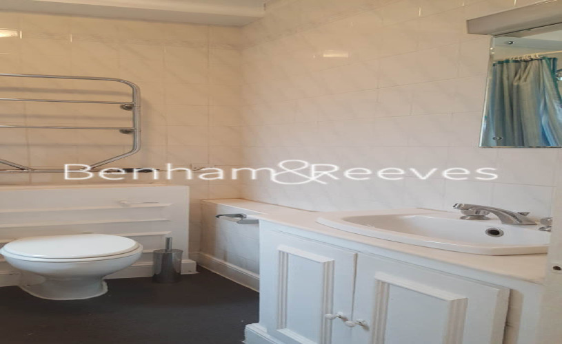 Studio flat to rent in Chelsea Cloisters, Sloane Avenue, SW3-image 5