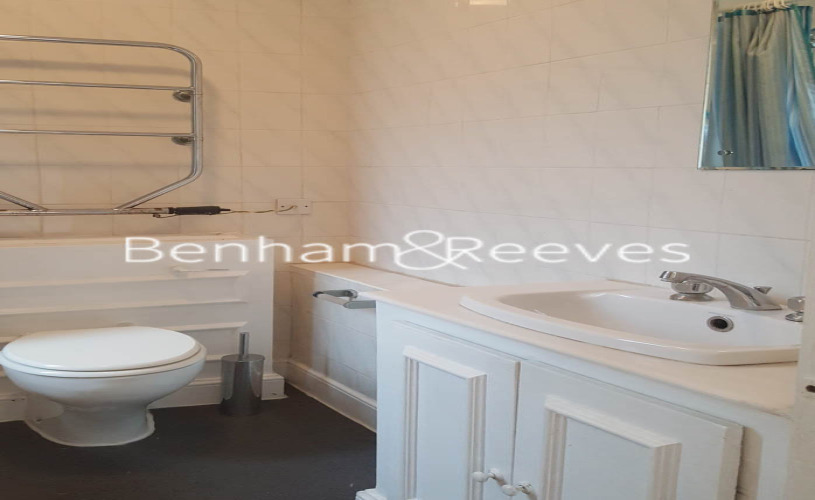 Studio flat to rent in Chelsea Cloisters, Sloane Avenue, SW3-image 7