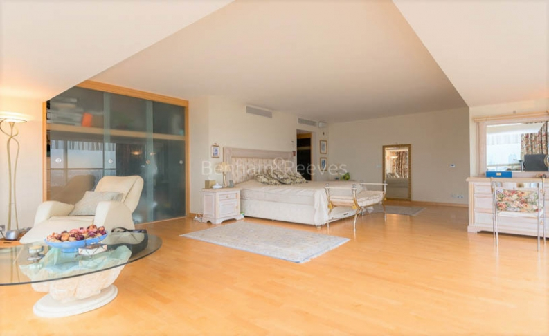 4 bedroom(s) flat to rent in The Panoramic, Millbank, SW1V-image 9