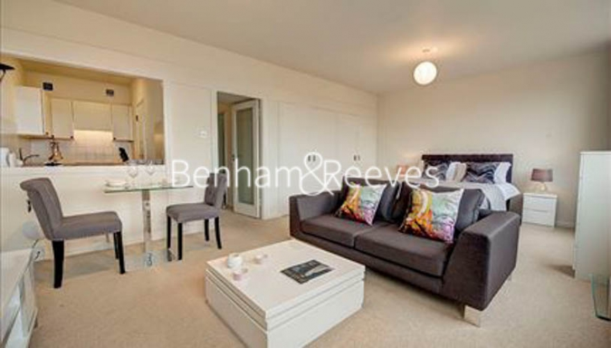 Studio flat to rent in Luke House, Abbey Orchard Street, Westminster SW1P-image 1