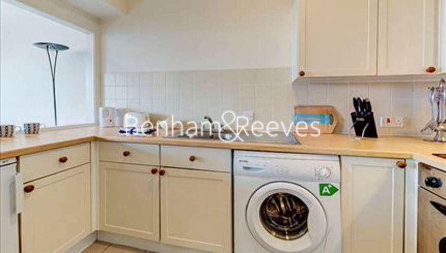 Studio flat to rent in Luke House, Abbey Orchard Street, Westminster SW1P-image 2