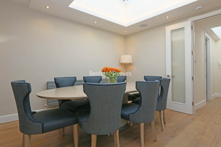 3 bedroom(s) flat to rent in Ennismore Gardens, Knightsbridge, SW7-image 3