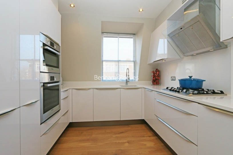 3 bedroom(s) flat to rent in Ennismore Gardens, Knightsbridge, SW7-image 4