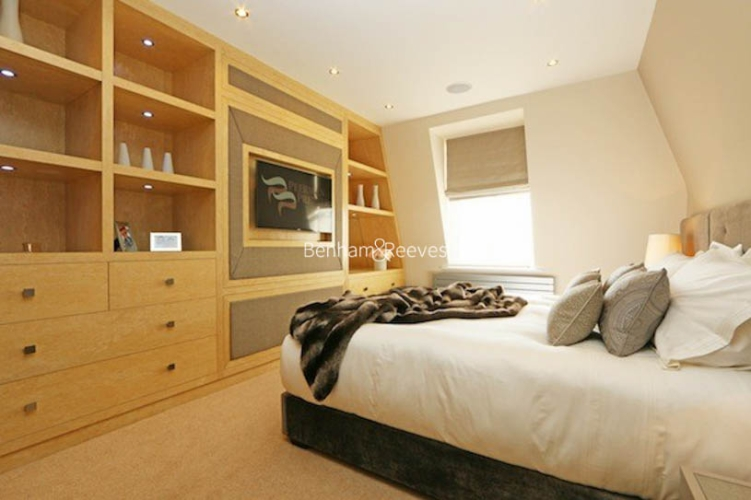 3 bedroom(s) flat to rent in Ennismore Gardens, Knightsbridge, SW7-image 7