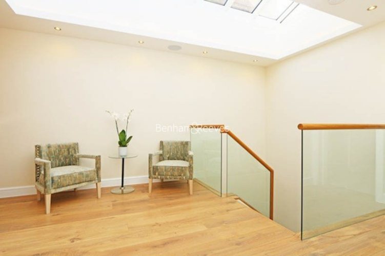 3 bedroom(s) flat to rent in Ennismore Gardens, Knightsbridge, SW7-image 10