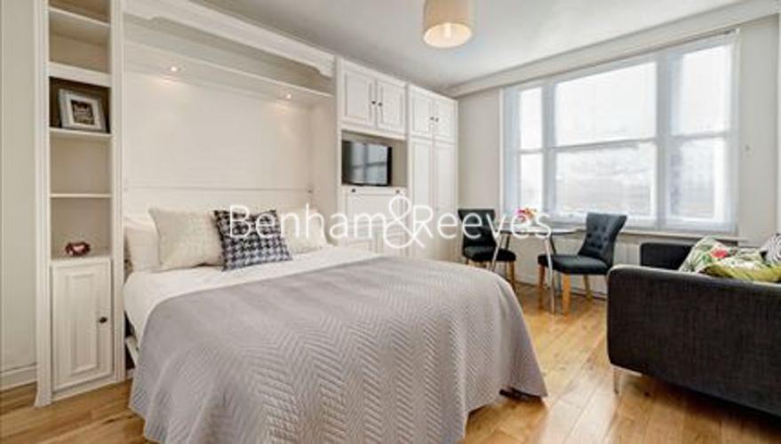 Studio flat to rent in Hill Street, Mayfair, W1J-image 3