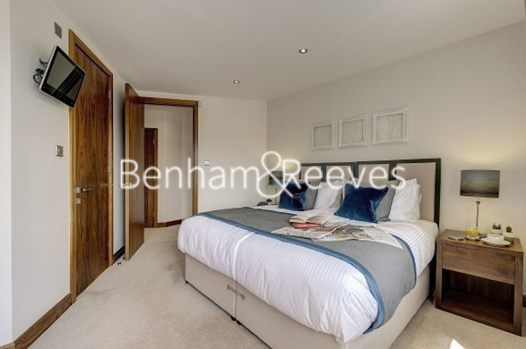 3 bedroom(s) flat to rent in Tarnbrook Court, Belgravia, Sw1W-image 9
