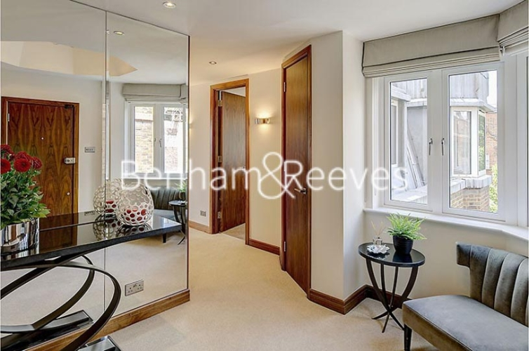 3 bedroom(s) flat to rent in Tarnbrook Court, Belgravia, Sw1W-image 16