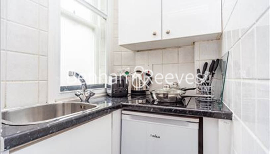1 bedroom(s) flat to rent in Hill Street, Mayfair, W1J-image 2
