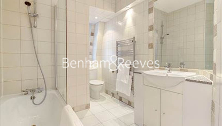Studio flat to rent in Hill Street, Mayfair, W1J-image 5
