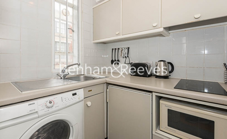 Studio flat to rent in Chelsea Cloisters, Chelsea, SW3-image 2