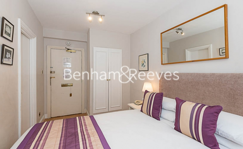Studio flat to rent in Chelsea Cloisters, Chelsea, SW3-image 5