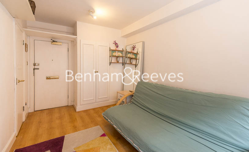 Studio flat to rent in Chelsea Cloisters, Chelsea, SW3-image 10