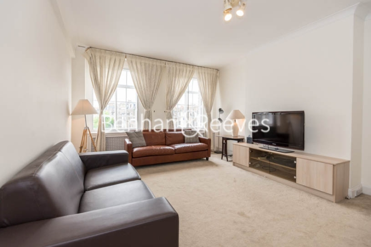 2 bedroom(s) flat to rent in St. Georges Court, Brompton Road, SW3-image 1