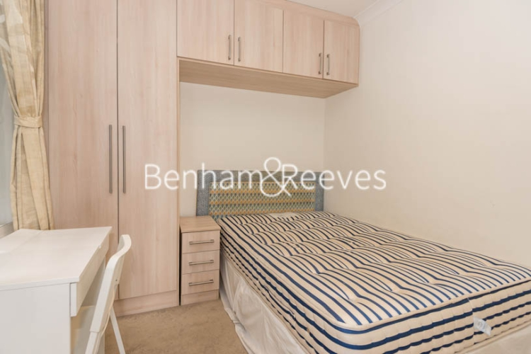 2 bedroom(s) flat to rent in St. Georges Court, Brompton Road, SW3-image 11