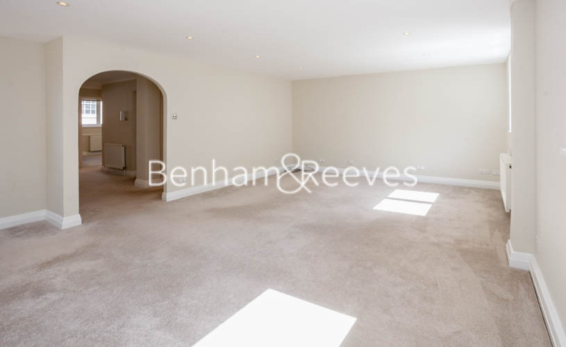 3 bedroom(s) flat to rent in Princes Gate Mews, South Kensington, SW7-image 2