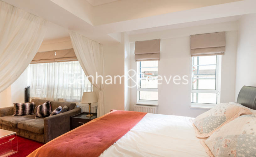 Studio flat to rent in Nell Gwynn House, Sloane Avenue, Chelsea, SW3-image 4