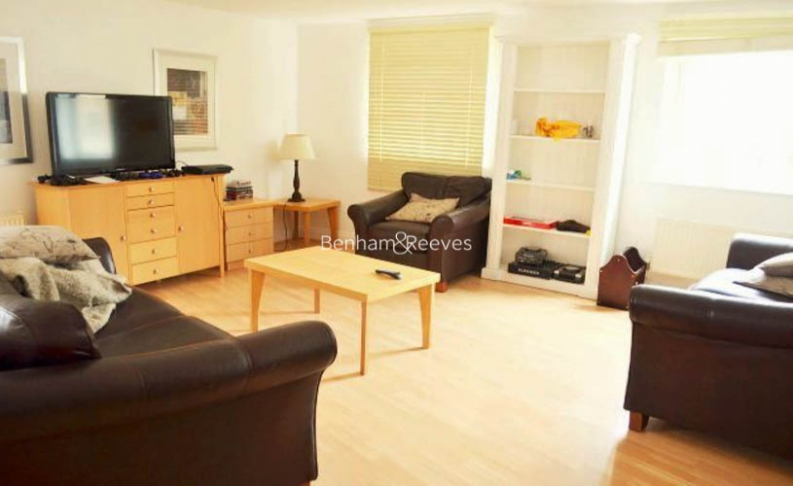 2 bedroom(s) flat to rent in Palgrave Gardens, Hyde Park, NW1-image 1