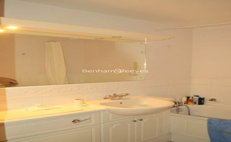 2 bedroom(s) flat to rent in Palgrave Gardens, Hyde Park, NW1-image 5