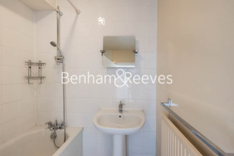 2 bedroom(s) flat to rent in Cameret Court, Notting Hill, W11-image 4