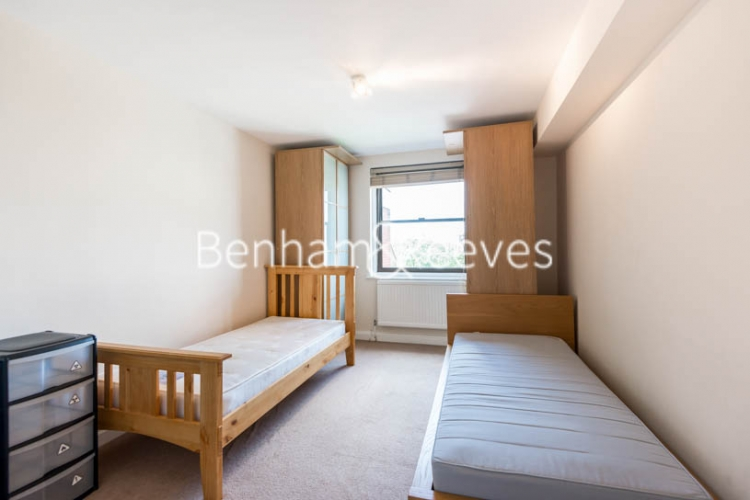2 bedroom(s) flat to rent in Cameret Court, Notting Hill, W11-image 7