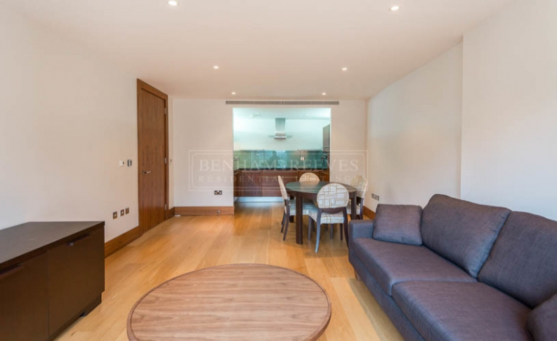 2 bedroom(s) flat to rent in Baker Street, Marylebone, NW1-image 2