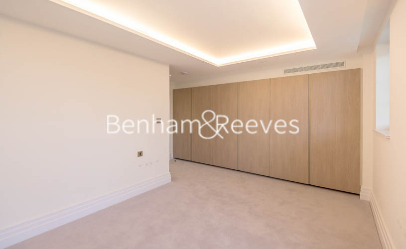 3 bedroom(s) flat to rent in Compass House, Kensington Gardens Square, Bayswater, Hyde Park, W2-image 8