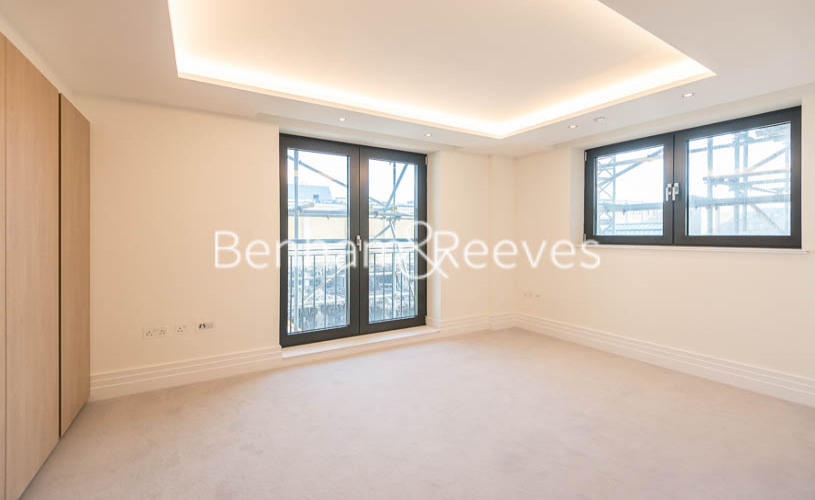 3 bedroom(s) flat to rent in Compass House, Kensington Gardens Square, Bayswater, Hyde Park, W2-image 15