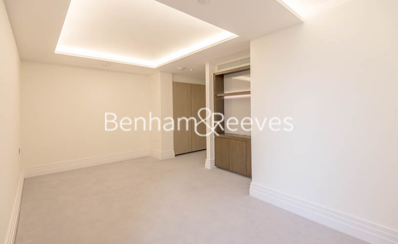 3 bedroom(s) flat to rent in Compass House, Kensington Gardens Square, Bayswater, Hyde Park, W2-image 16