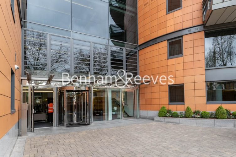 3 bedroom(s) flat to rent in Atrium Apartments, St Johns Wood, NW8-image 12