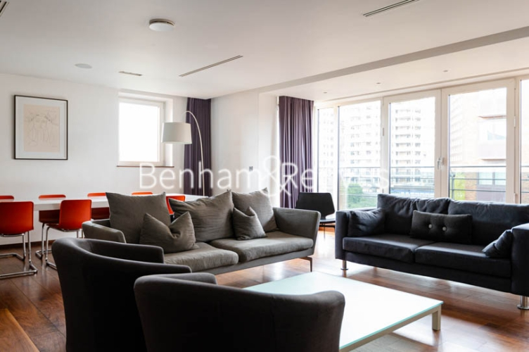 3 bedroom(s) flat to rent in Atrium Apartments, St Johns Wood, NW8-image 13