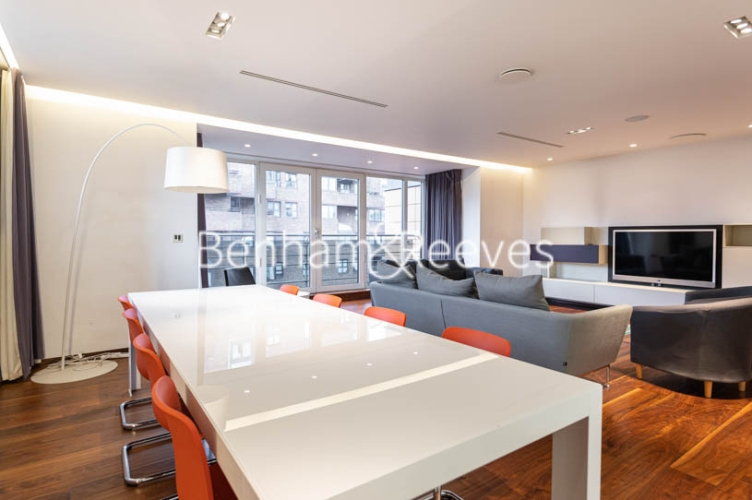 3 bedroom(s) flat to rent in Atrium Apartments, St Johns Wood, NW8-image 14