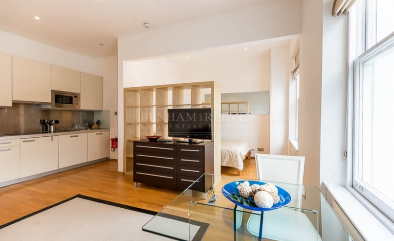 Studio flat to rent in St. Stephen Gardens, Bayswater, W2-image 4