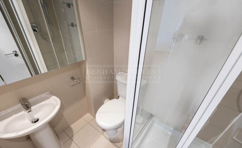 Studio flat to rent in St. Stephen Gardens, Bayswater, W2-image 6